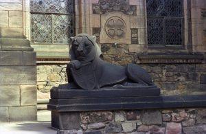 Lion statue outside war memorial